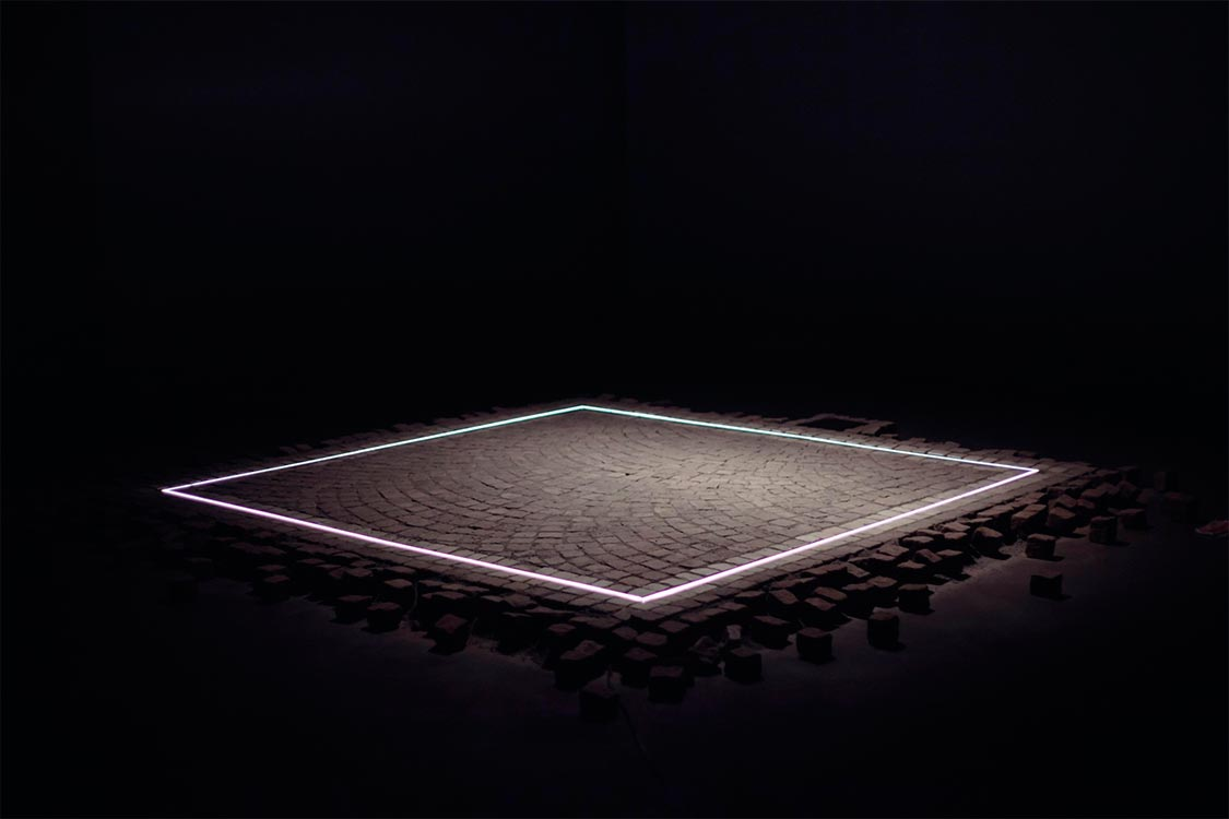 The Square 03