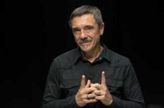 "Charles Gavin comanda a 12ª temporada de ""O Som do Vinil"" no Canal Brasil"