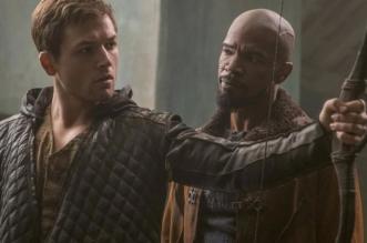 "Jamie Foxx ensina Taron Egerton a roubar os ricos em trailer de ""Robin Hood"""